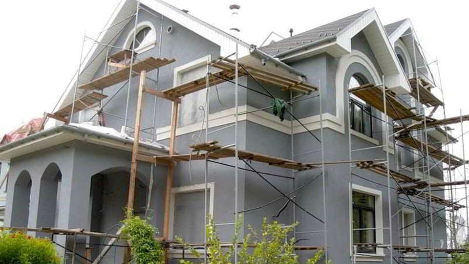 Процесс отделки фасада является важным этапом отелочных работ.
