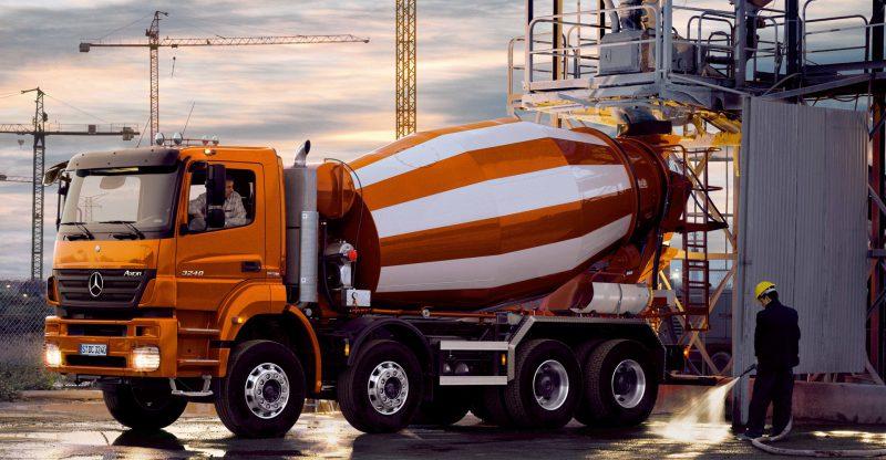 Почему лучше покупать готовый бетон с доставкой?